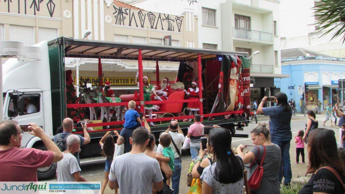 ACE cria caminhão para levar clima de Natal a toda Jundiaí
