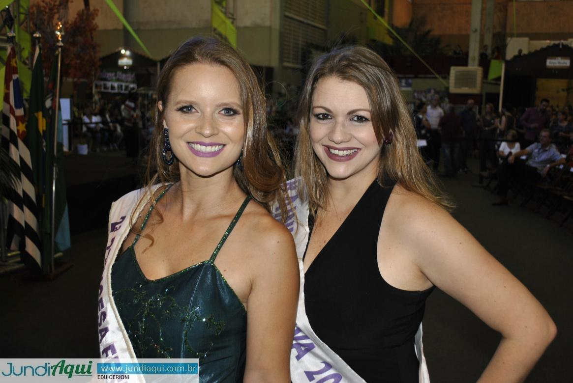 Rainhas e princesas dão charme à Festa da Uva